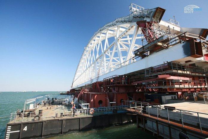 Крымский мост может дорого обойтись голландским компаниям