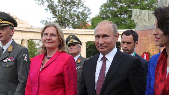 В Австрии приезду Путина на свадьбу главы МИД явно не рады